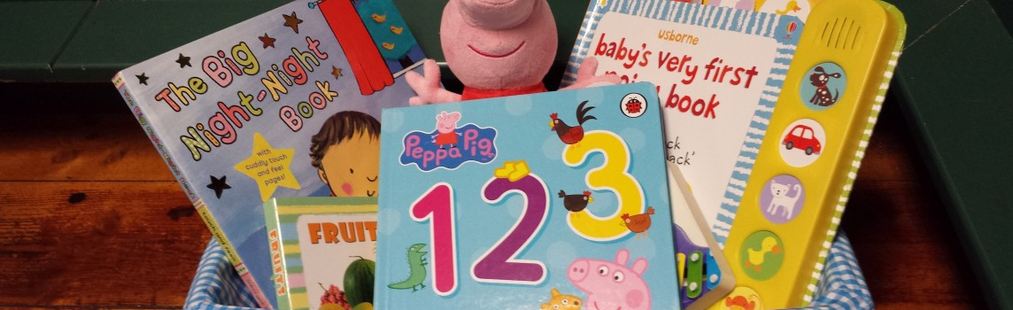 peppa pig beanie with 4 books